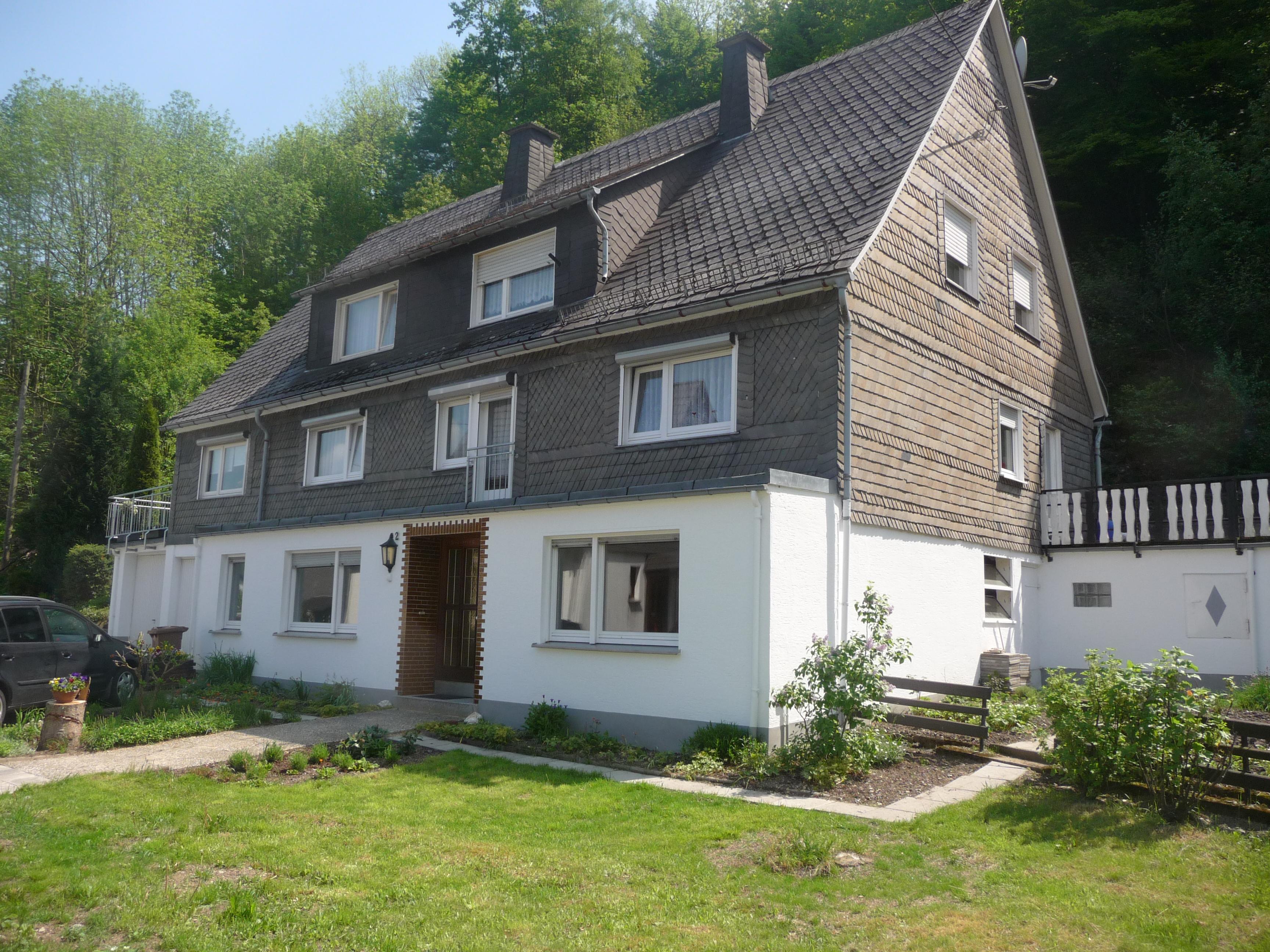 Op zoek naar een vakantiewoning in het Sauerland? Ook dan zit u bij ons goed. Wij beschikken over 2 appartementen die u graag bij ons kunt huren